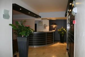 Hôtel Comté de Nice, Hotely  Beaulieu-sur-Mer - big - 86