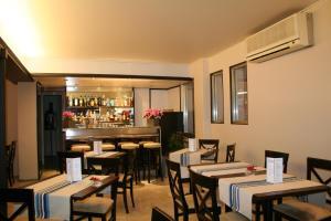 Hôtel Comté de Nice, Hotely  Beaulieu-sur-Mer - big - 73