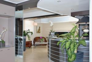 Hôtel Comté de Nice, Hotely  Beaulieu-sur-Mer - big - 89
