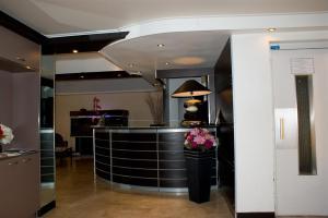 Hôtel Comté de Nice, Hotely  Beaulieu-sur-Mer - big - 83