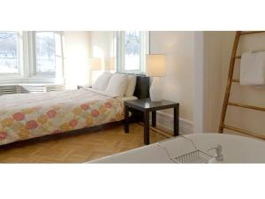 Casa Bianca Bed & Breakfast, Bed and breakfasts  Montr - big - 9