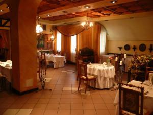 Azymut Hotel Restaurant