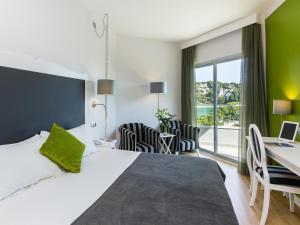 Artiem Audax - Adults Only, Hotels  Cala Galdana - big - 4