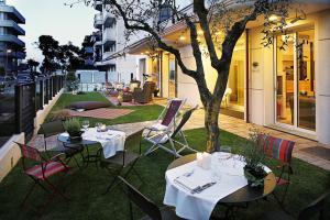 D-Place Hotel & Suite - AbcAlberghi.com