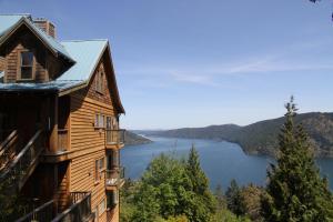 Moon Water Lodge - Hotel - Malahat