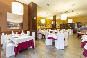 Hostal Restaurante Alarico, Pensionen  Allariz - big - 31