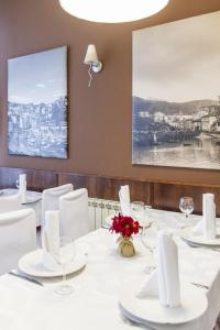 Hostal Restaurante Alarico, Guest houses  Allariz - big - 17
