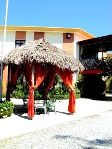 Hotel Villa del Sol, Szállodák  Puerto Cortes - big - 16