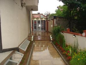Accommodation in Rasina