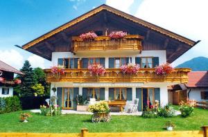 Ferienwohnung Alpenflora - Apartment - Mittenwald