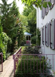 Villa Waldperlach by Blattl, Affittacamere  Monaco di Baviera - big - 11