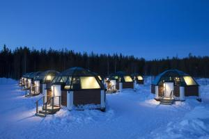 Arctic SnowHotel & Glass Igloos (3 of 33)