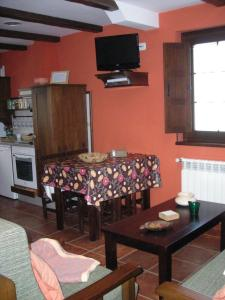 Apartamentos Rurales Casa Pachona, Ferienwohnungen  Puerto de Vega - big - 64