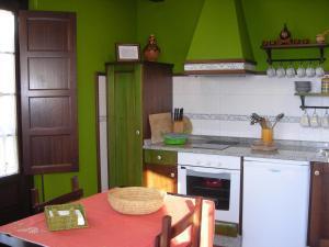 Apartamentos Rurales Casa Pachona, Ferienwohnungen  Puerto de Vega - big - 46