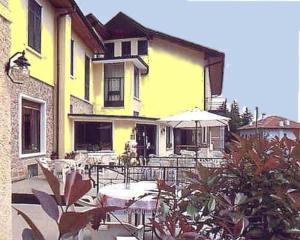Hotel Ristorante Vittoria - Ghirla