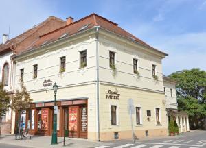 Gyula Panzio, Guest houses  Gyula - big - 13