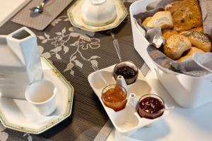 Gio'el B&B, Bed and Breakfasts  Bergamo - big - 26