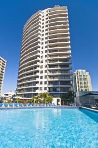 Surfers International Apartments