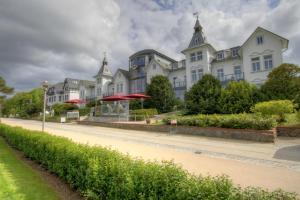 Hotel Asgard's Meereswarte, Apartmány  Zinnowitz - big - 1