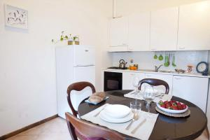 Appartamento Con Giardino, Apartments  Florence - big - 44