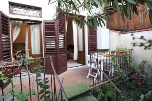 Appartamento Con Giardino, Apartments  Florence - big - 34