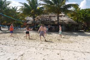 Green Parrot Beach Houses and Resort, Lodge  Maya Beach - big - 75