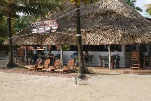 Green Parrot Beach Houses and Resort, Lodge  Maya Beach - big - 83