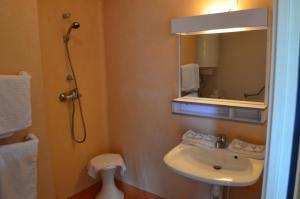 Résidence Foch, Aparthotels  Lourdes - big - 29