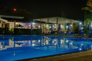 Hylatio Tourist Village, Апарт-отели  Писсури - big - 62