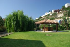 Hylatio Tourist Village, Апарт-отели  Писсури - big - 59