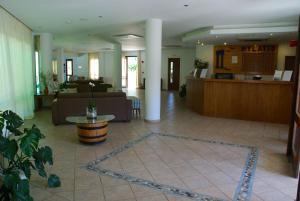 Hylatio Tourist Village, Апарт-отели  Писсури - big - 53
