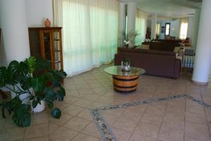 Hylatio Tourist Village, Апарт-отели  Писсури - big - 79