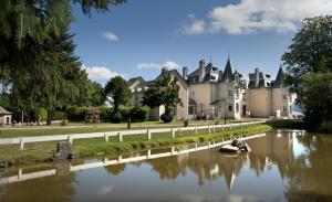 Location gîte, chambres d'hotes Le Château D'orfeuillette dans le département Lozère 48