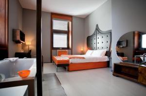 Orange Hotel - AbcAlberghi.com