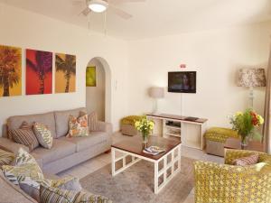 First Group Palm Park, Апартаменты  Маргит - big - 20