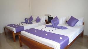 Hotel Gayan's, Отели  Удавалаве - big - 8
