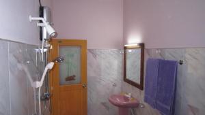 Hotel Gayan's, Отели  Удавалаве - big - 13