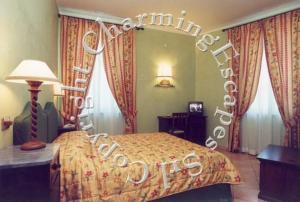 Villa Piccola Siena (1 of 74)