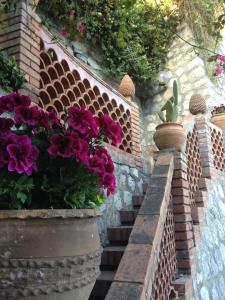 Villa Greta Hotel Rooms & Suites, Hotels  Taormina - big - 33