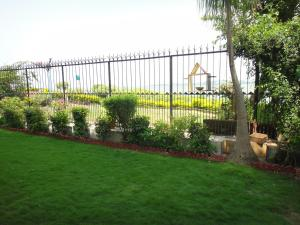 Lago villa, Bed & Breakfasts  Bhopal - big - 22