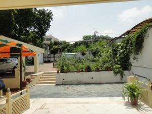 Lago villa, Bed & Breakfasts  Bhopal - big - 21