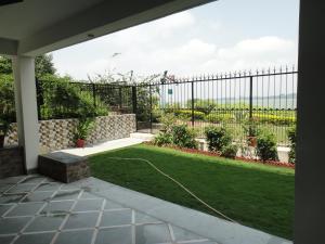 Lago villa, Bed & Breakfasts  Bhopal - big - 17