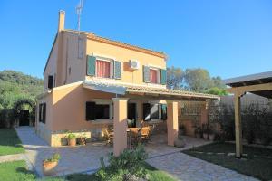 Villa Livadi, Vily  Magouládes - big - 11