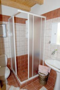 Villa Livadi, Vily  Magouládes - big - 20