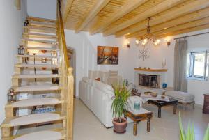 Villa Livadi, Vily  Magouládes - big - 28