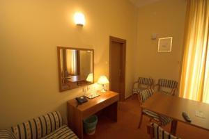 Hotel Vila Ružica - depandanse, Отели  Цриквеница - big - 40