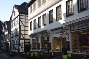 Guesthouse Schloß-Cafe - Monschau