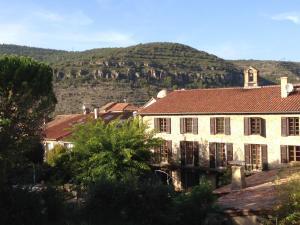 Location gîte, chambres d'hotes Hotel Les Raspes dans le département Aveyron 12