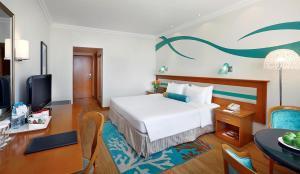 Coral Beach Resort Sharjah, Курортные отели  Шарджа - big - 3