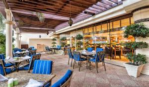 Coral Beach Resort Sharjah, Курортные отели  Шарджа - big - 7